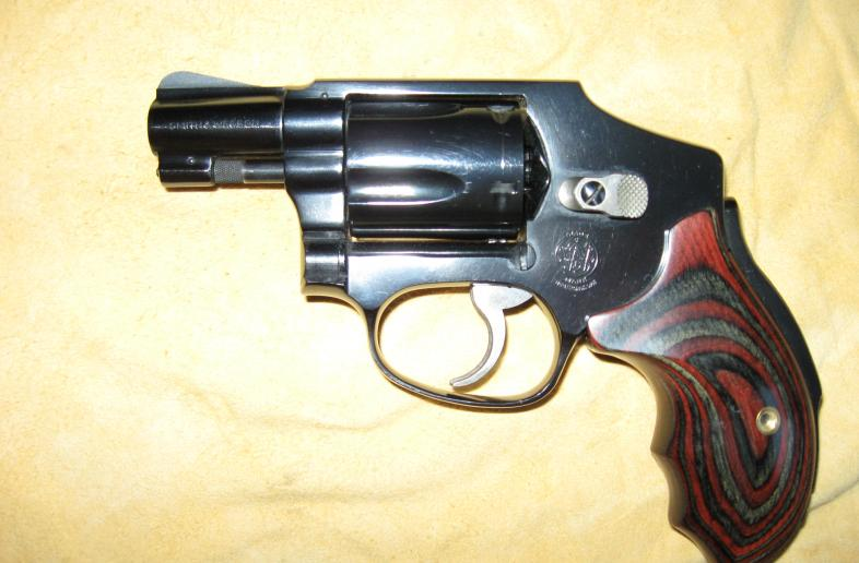 SMITH AND WESSON .38 SPECIAL MODEL 40